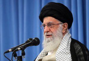 بیانات رهبر معظم در روز سوم فروردین: اگر کوتهبینی نکنیم ایران به قلّه حکومت اسلامی میرسد.