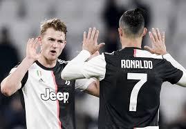ماتیس دلیخت: رونالدو بهترین بازیکن نسل خودش و الگویی فوقالعاده برای بازیکنان جوان است.