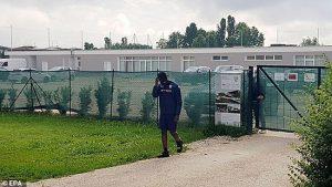 مسئولان باشگاه برشا بالوتلی را به محل تمرین راه ندادند.